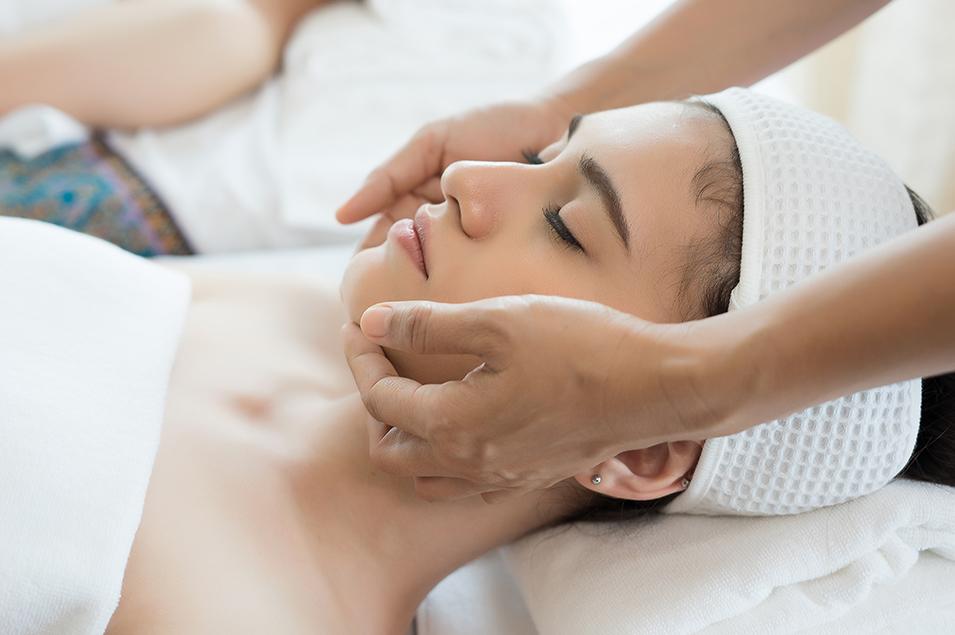 Klassieke Gezichtsbehandeling - Alcina Soft Skin - BeautySalon Marijke